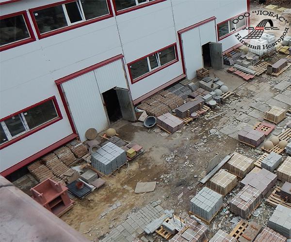 Склад временного хранения бетонной продукции  и цех по производству бетонной продукции компании ЛОБАС.
